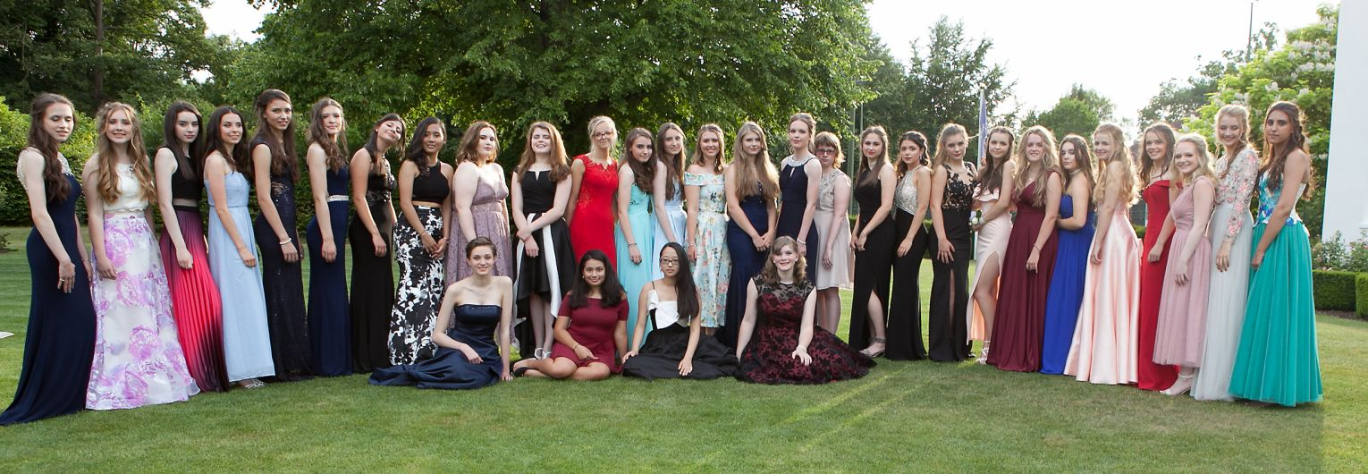 Manor House Girls on Prom Night